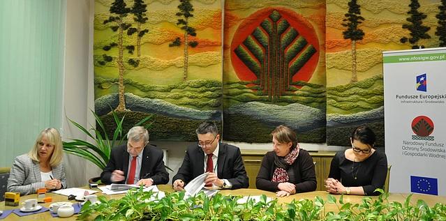 Podpisanie umów na termomodernizację budynków użyteczności publicznej